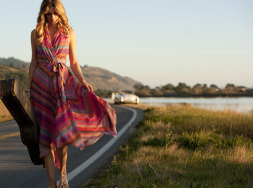Today we're feeling inspired by '70s style.  As you look forward to spring fashion, use this fun, colorful decade to help create your look.  Lovin' this multicolored print dress from Muse.  Take a look at more fashion faves by clicking the photo. CottonCandyMag.com