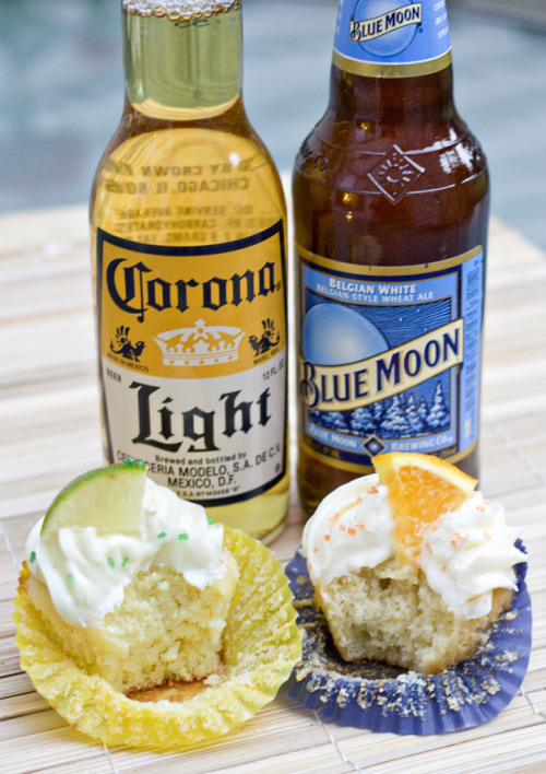gastrogirl:  blue moon and corona cupcakes for the superbowl.