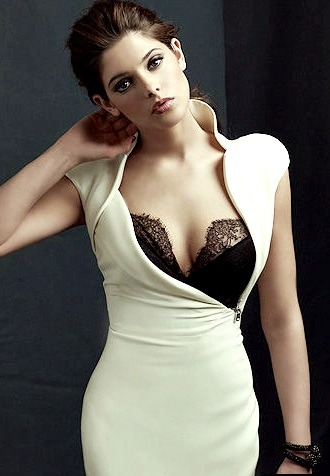 Ashley Greene . 3   sexy, very sexy.