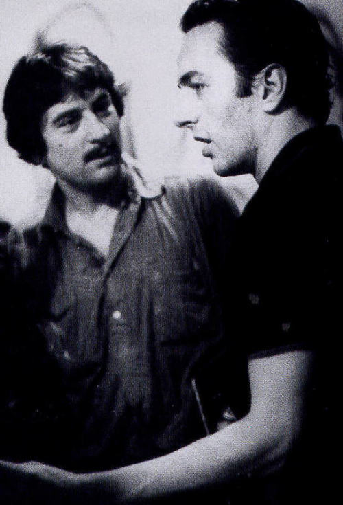 awesomepeoplehangingouttogether:  Robert De Niro and Joe Strummer  Too freakin cool.