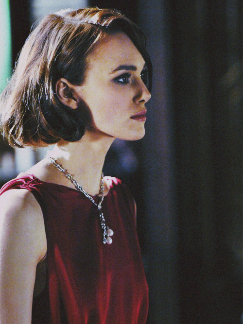 catelloise:  Shannen doesn't understand my love for Keira Knightley.