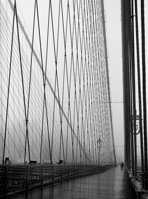 luzfosca:  Barbara Mensch A Walk Across the Bridge, Undated Thanks to yama-bato