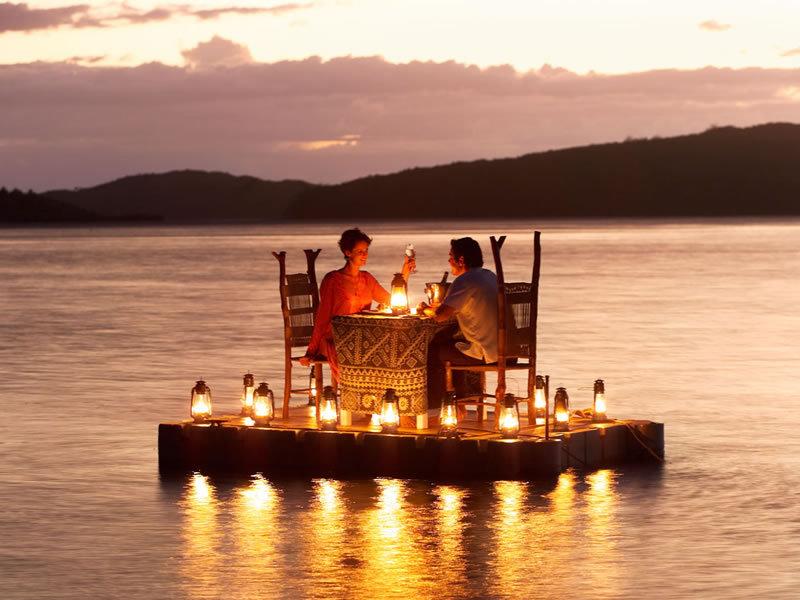 17 Romantic Dinner Places Around The World