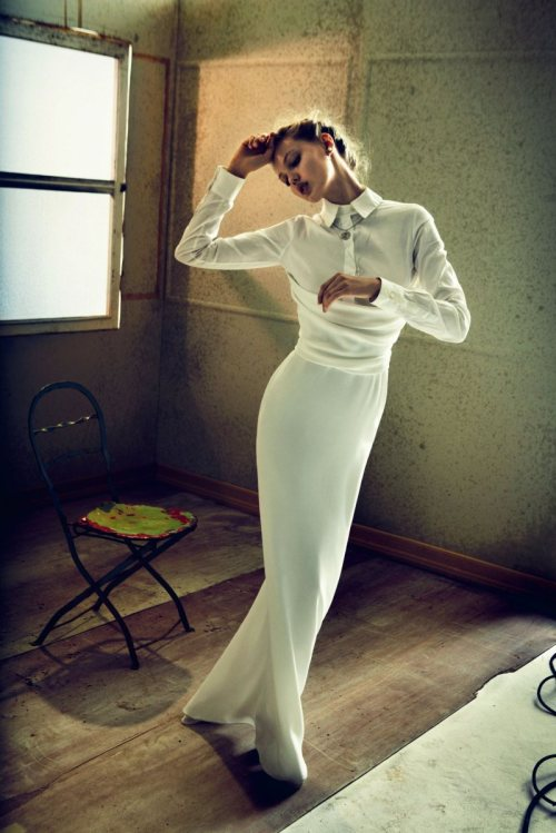 darklamb:  Long, lean, lovely Lindsey swanning around all in white for Muse, shot by Will Davidson.