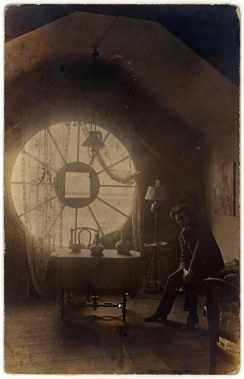 de-salva:  Brassaï in his Berlin Studio (Atelier), 1921. (photo by unknown author) Gelatin silver print Brassaï (Halasz Gyula) ~ http://en.wikipedia.org/wiki/Brassa%C3%AF