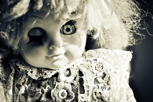 thoughtsinthehorizon:  Doll by Luis Lastra Cid on Flickr.