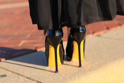 Such a beautiful shot! statementshoes:  Yves Saint Laurent