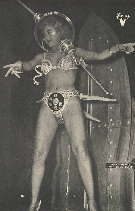 cryptofwrestling:  Weird Space Woman Dyna Spoutnik..