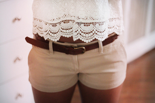 shine-like-sequins:  want khaki sorts<3