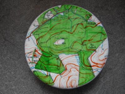 cartophile:  It's a map that's a cake. An ORDNANCE SURVEY map that's a cake. It doesn't get much more mapgeekier than that. Made by World of Cake in the UK.