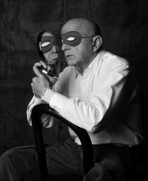 "Duane Michals, NYC, 2001 -by Abe Frajndlich  [+] Abe Frajndlich seen by Duane Michals:  Honest Abe FrajndlichHow the Cleveland Kid photographs icons with his NikonWhat do you do when you see Irving Penn peering back at you through your lens? I'd panic then practice Zen.What to do when Cartier Bresson shouts as you shoot, ""Get out of my way, Be Gone!"" and hits you on the head? I'd be frantic and play dead.And when you ask Annie to sit in a chair and suddenly your camera is flying midair, because La Leibovitz has thrown a fit, I'd quit in despair.But not Frajndlich. The Cleveland Kid is very brave and has a trick or two up his sleeve. Anyone who can turn a lemon into Jack Lemonade is a foto alchemist. The rumors of Abe's humor are true. He has the light touch of a jewel thief who can steal your face sans grief. He sees what others only notice, and in a flash ALACAZAM, it's thank you ma'am.How does he do it?Frajndlich mesmerizes with chit-chatDistracts with catty gossip.Slips them martinis,Then stuffs them with blinis.He shoots away until they say,""Uncle!"" Are we through already?Can I go now?The Cleveland Kid is haute couture not prêt-à-porter. Each portrait is not so much a reproduction of the sitter's face, but rather an expression of the subject vis-a-vis his poetry. Insight is Abe's secret. Understanding, rather than mere observation, is what defines him as a photographer. To be Frajndlichized is to be immortalized.And that is all I have to say.— Duane Michals  photo and text from lalettre"