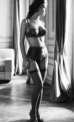 blacksilkstockings:  Classy.  Traditional.  Sexy.