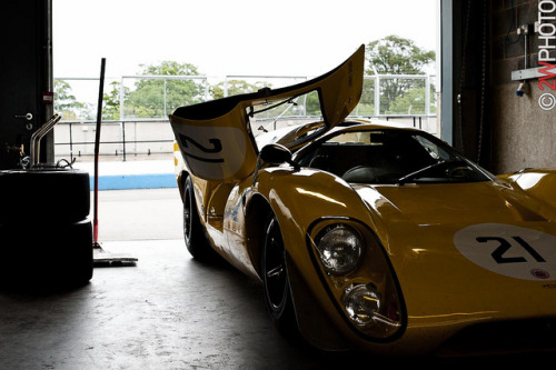Lola T70 on Flickr.Via Flickr: Masters & Top Hat Festival, Donington Park 3-4 September 2011