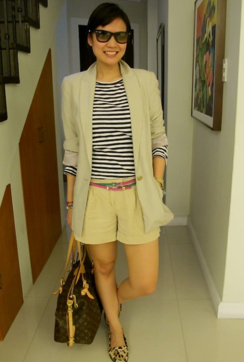 My version of the short suit! Neutrals plus a pop of color. Blazer: Zara, Tee: Zara, Shorts: Forever 21, Belts: Paisley Clothing, Shoes: Zara