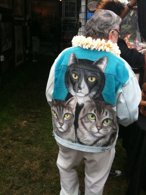 theclearlydope:  I'm starting an Internet gang and this will be our jacket.
