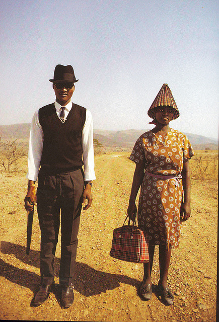 outponbail:  Zulu walkers in 1971