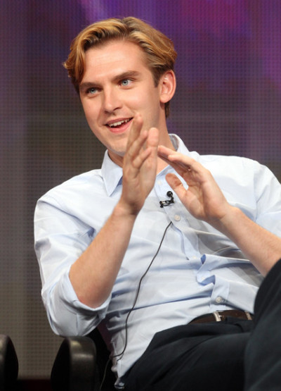 Dan Stevens Dan. Sweet, sweet Dan. Thank you for blessing the world with your existence. You are a truly magnificent creature. Your blue eyes pierce our hearts every time we watch you on the silver screen (or our laptop screens for those of us in the US). All we can say is that if we were Lady Mary we would have been on that the second we saw you. Father to Willow