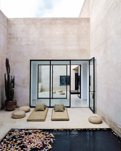 habitualbliss:  Now this is my idea of a zen back patio. I'm calm just looking at it.