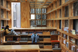 bookshelfporn:  'Liyuan Library' by Li Xiaodong Atelier, Cuairou, China via kaitgoo  Book shelves