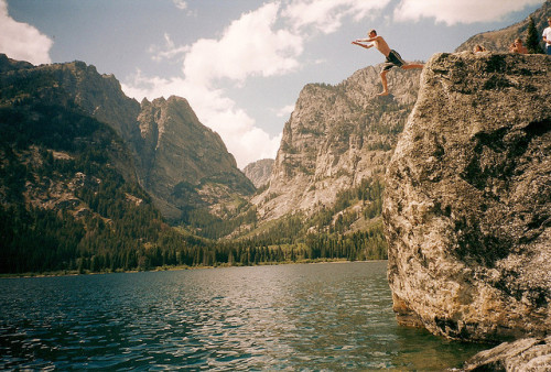 misadventureofreptars:  Grand Tetons Cliff Jumping by coopisthehighroller on Flickr.