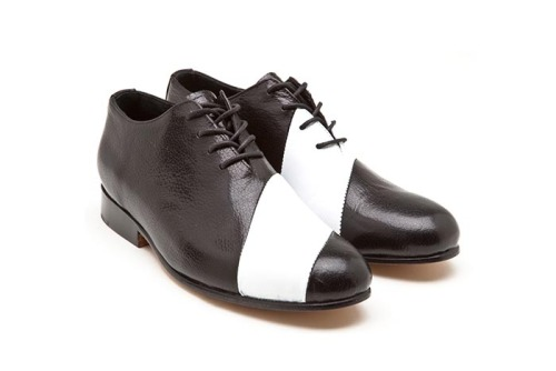 thestylebuff:  Black & White, Asymmetric, Esquivel Shoes