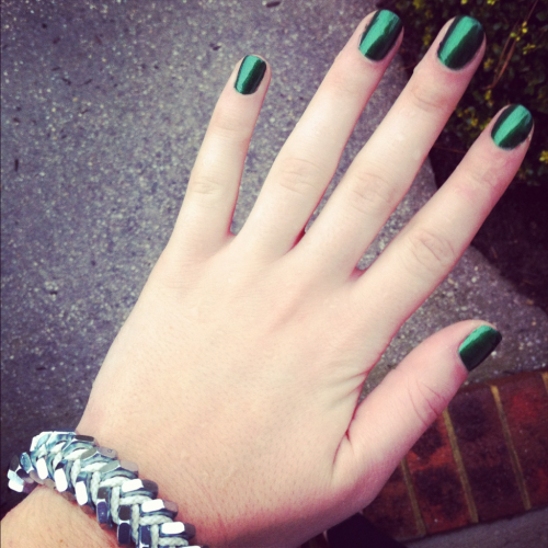 "EMERALD GREEN - THE $ MAKING MANI  Rainy days ALWAYS consist of a new #freshmani. Usually a bright color to lighten up the day. Zoya sent me their last collection of holiday colors and I finally got to use my favorite of the three, this emerald green polish called 'HOLLY'. (Obviously this green polish reminds me of money…""stacks on stacks on stackssss"" will now be playing in my head on repeat all week…)  Shop HOLLY here: http://www.zoya.com/content/38/item/Zoya/zoya-nail-polish-holly-zp577-green-nailpolish.html   Bored of just one color?! This green is also the perfect color to use for a color-blocking #freshmani. Paint your ring fingers with a Bubblegum/Barbie pink (preferably 'Yvette' by Zoya- http://www.zoya.com/content/38/item/Zoya/Zoya-Nail-Polish-Yvette.html) and you'll have yourself a fresh color-blocking mani!  Keep it gangster, girls…"