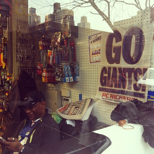 Giants poster and the guy has on a jersey #superbowl #nygiants #nyc #gmen #giants #nfl #newyorkcity (Taken with Instagram at Amsterdam Hardware)
