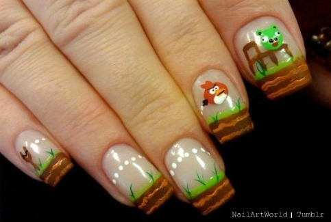 nailartworld:  Angry Birds.           hahahaha! Awesome x 2!