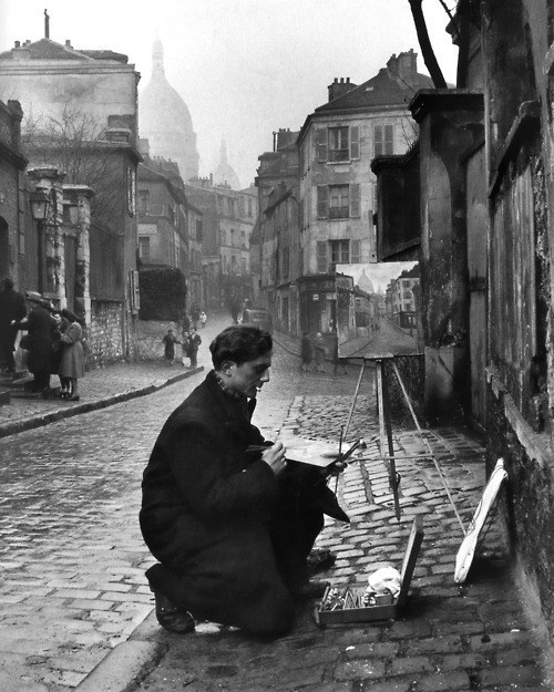 dormio: Painting sacré-coeur from the ancient rue norvins in Montmartre, Paris, (1946) Photo by Edward Clark, from the great LIFE photographers