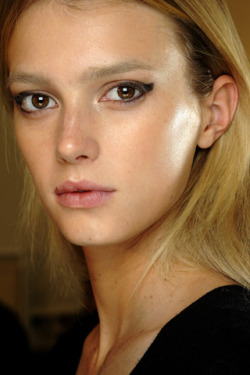 Makeup at the Valentino spring show featured fresh-faced models blushed and bronzed to perfection.