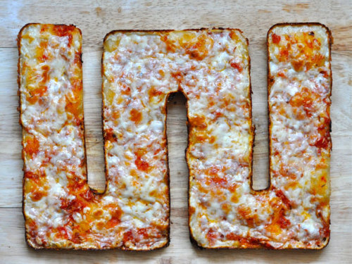 laughingsquid:  All-Edge Sicilian-Style Pizza  FATTTTTTTTTTTTTTTYYYYHH!!!