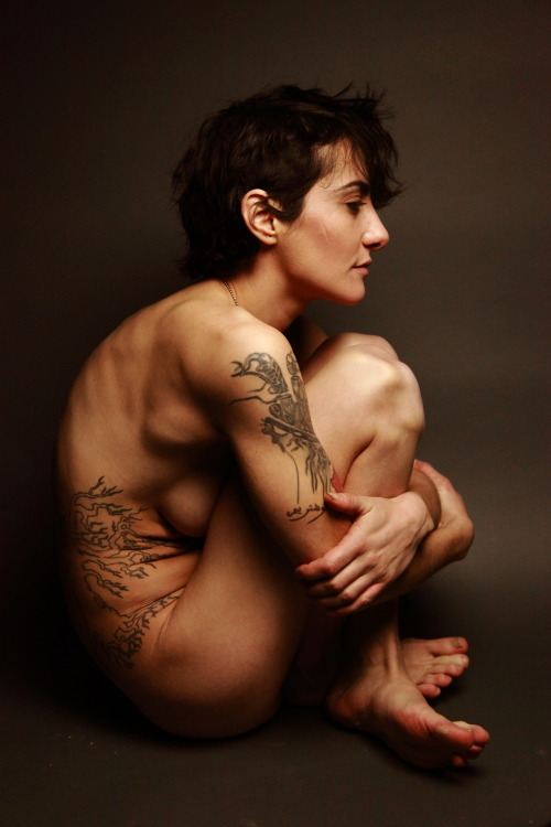 fuckyeahdykes:  Emma Mead Photography submitted by emmabeha