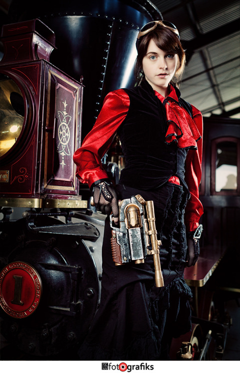 Another photo from the steam punk photo shoot I did about a month ago :D Photographer: Ezra Zuniga