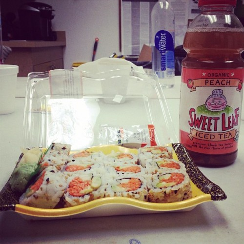 Veggie rolls and peach grandma tea😌😍 (Taken with Instagram at Sprouts)