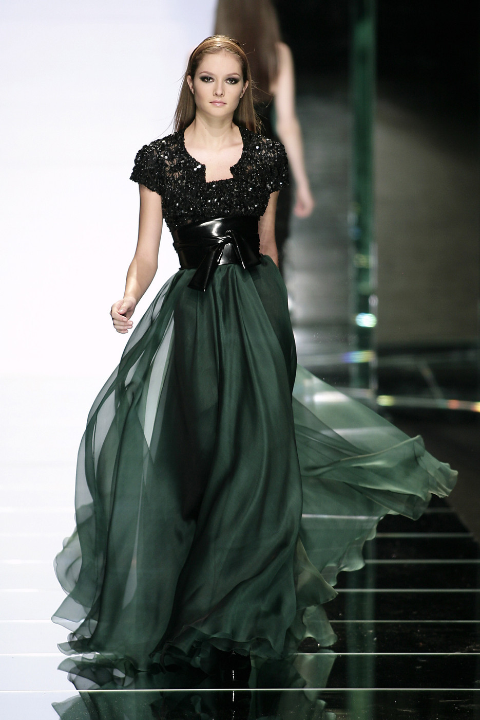 csebastian:  Elie Saab, Fall 2007 Ready-to-Wear Solange Wilvert // brooklyntree:phe-nomenal