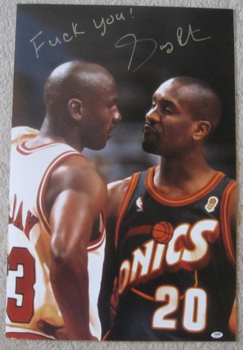 Gary Payton signs a photo of himself and Jordan with a F-bomb. He's the best.