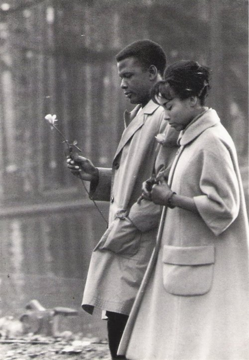 digital-images:  Diahann Carroll & Sidney Poitier from Paris Blue (1961)