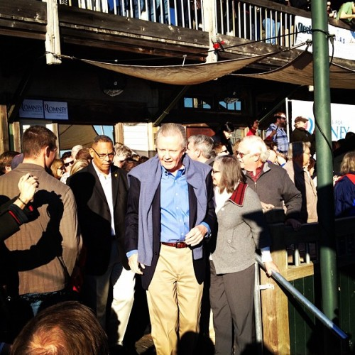 Jon Voight campaigning for Romney in Pensacola FL (Taken with instagram)