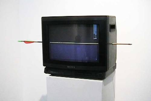 Eric Fleischauer realityTVarrow tv, arrow, video (30:00, looped, silent) 2005
