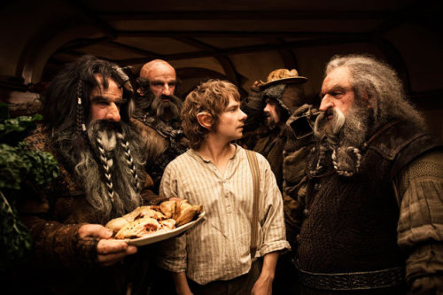 Those are some big Dwarves! At least bigger than Hobbits… Martin Freeman as Bilbo Baggins with Bifur, Dwalin, Bilbo, Bofur and Oin.