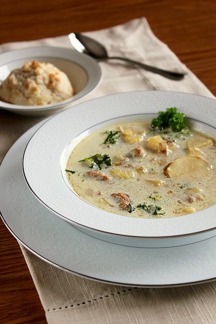 Ohhh I Love soups. I have to try this creamy Tuscan soup some day.