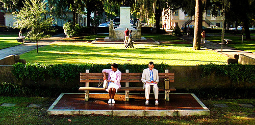 The park bench that Tom Hanks sat on for much of the movie was located in historic Savannah, Georgia, at Chippewa Square. The fiberglass bench he sat on, since then, has been removed and placed into a museum to avoid being destroyed by bad weather, or possibly stolen. To this day, the bench is held in the Savannah History Museum, Savannah, Georgia.