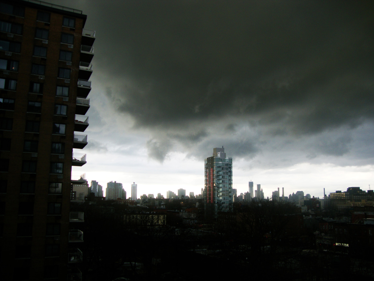 Rainclouds over Brooklyn. Camera: Sony DSC W220.