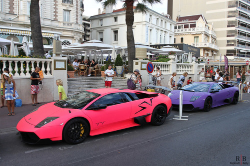 Matte pink or purple? Featuring 2x Lamborghini Murcielago LP670-4 SV. Photo by Raphaël Belly.