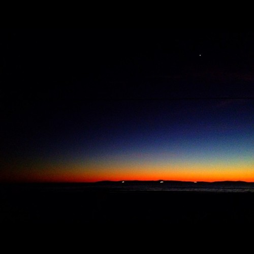 Beach Night: Sunset Part 1.  #sunset #popularpage #iphone4s  #sundance  #editoftheday #blue #instagramers #instagram #iphonography  #iphone #iphoneonly #instagood #iphone4 #instagramhub #picoftheday #ca #california #sunlight #sun #yellow #ig #igers #cali #silhouette #Catalina    (Taken with instagram)