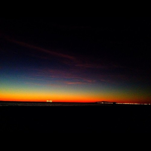 Beach Night:  Sunset Part 2. #sunset #popularpage #iphone4s  #sundance  #editoftheday #blue #instagramers #instagram #iphonography  #iphone #iphoneonly #instagood #iphone4 #instagramhub #picoftheday #ca #california #sunlight #sun #yellow #ig #igers #cali #hb #huntingtonbeach #huntington  (Taken with instagram)