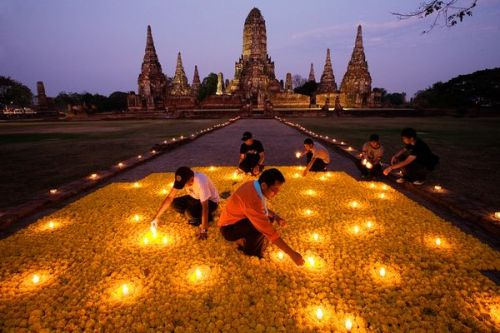nayenggitanjali:  Flower Homage, Thailand. ~Catherine Karnow  Source: National Geographic