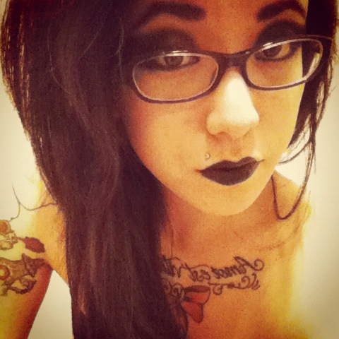 i feel like a gothic mermaid or something