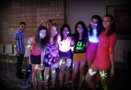 six-moons:  generation v at jaclyn & janette's 17th  at my party yesterday :)