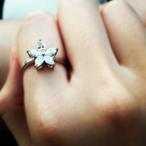 Flower diamond ring (Taken with instagram)
